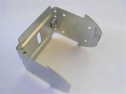 Предназначен для крепления несущих отрезков потолочного профиля к основным профилям в подвесном потолке. Применяется с профилем потолочным (ПП).